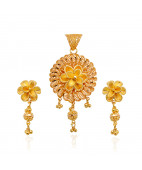 Beautiful Double Flower Hugging Gold Pendant Set