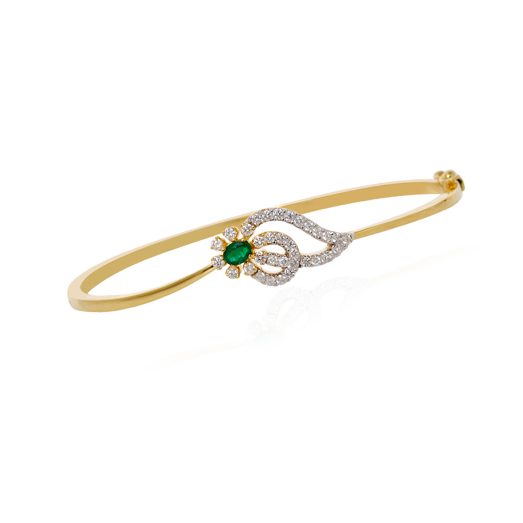 Mini Flower Diamond Bracelet in 18k Yellow Gold