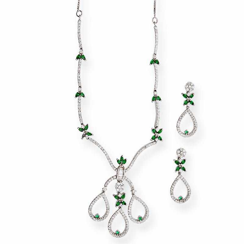 Cute Green and White Zircons Necklace Set