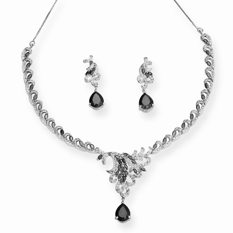 True Black Designer Necklace Set