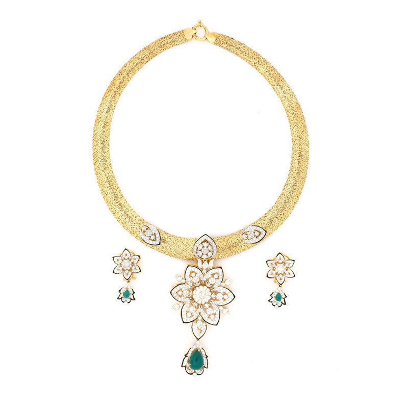 Filigree work Six Petal Sparkling Flower With Emerald Drop