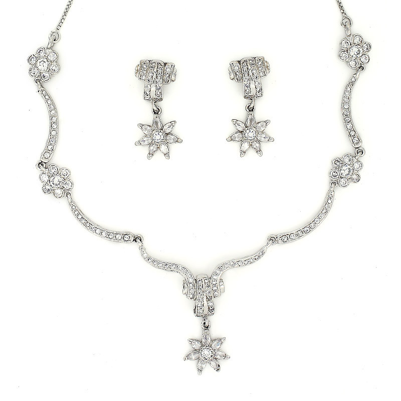 Silver Designer Choker Necklace Set