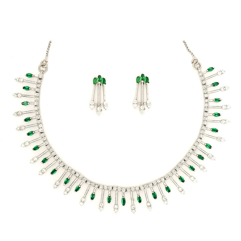 Beautiful Green Gem Chandelier Silver Necklace Set