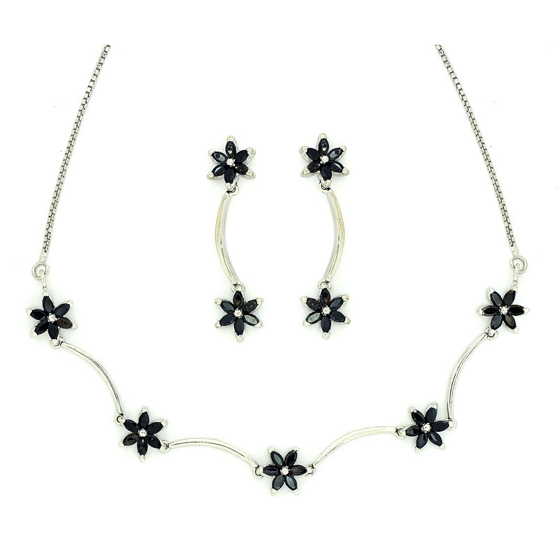 Marquise Shaped Flower Necklace Set