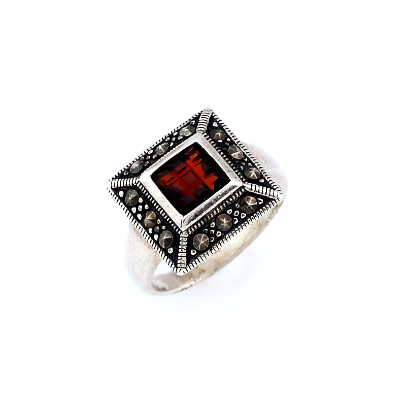 chocolate-cut-brick Center Stone Silver Ring