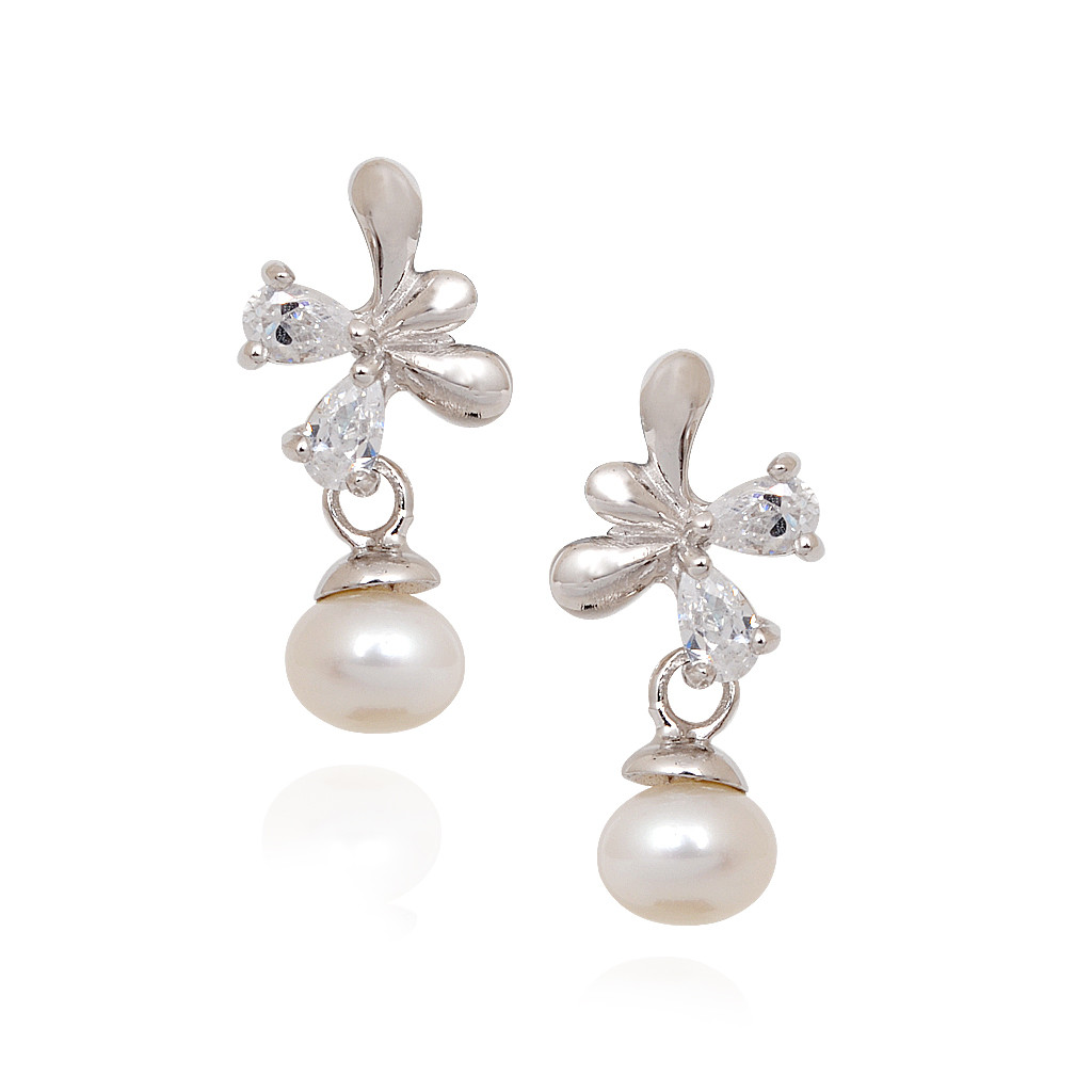 Stylish Silver Earrings With Hanging Pearl