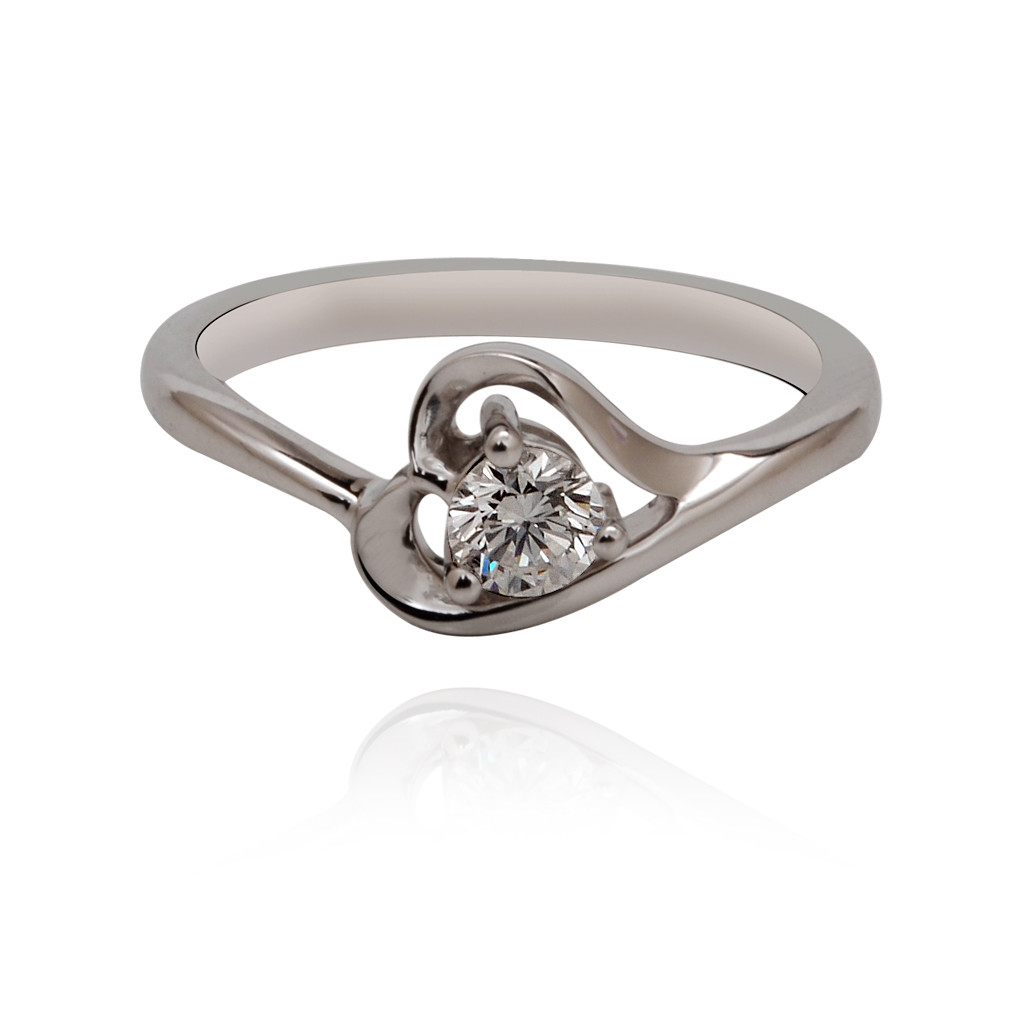 Diamond Stone With Heart Shape Ring