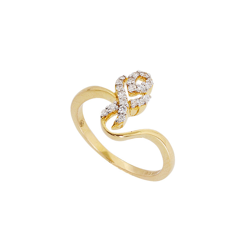 Designer Diamond Ring in 18KT Gold