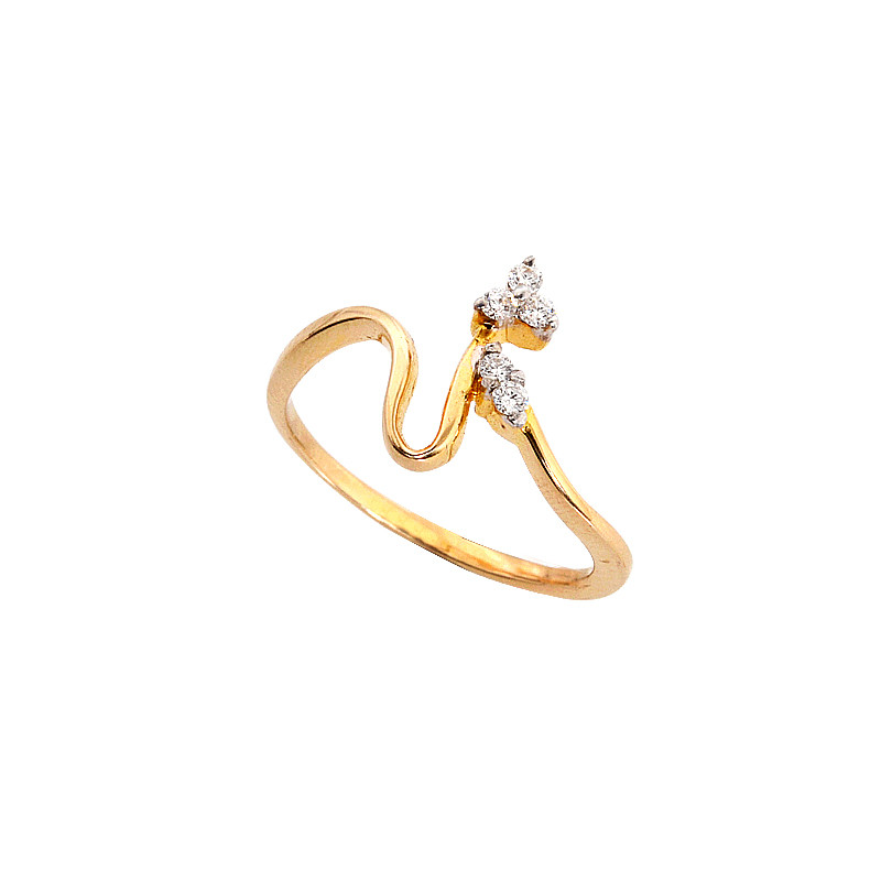 Floral Swirl Diamond Ring in 18KT Gold