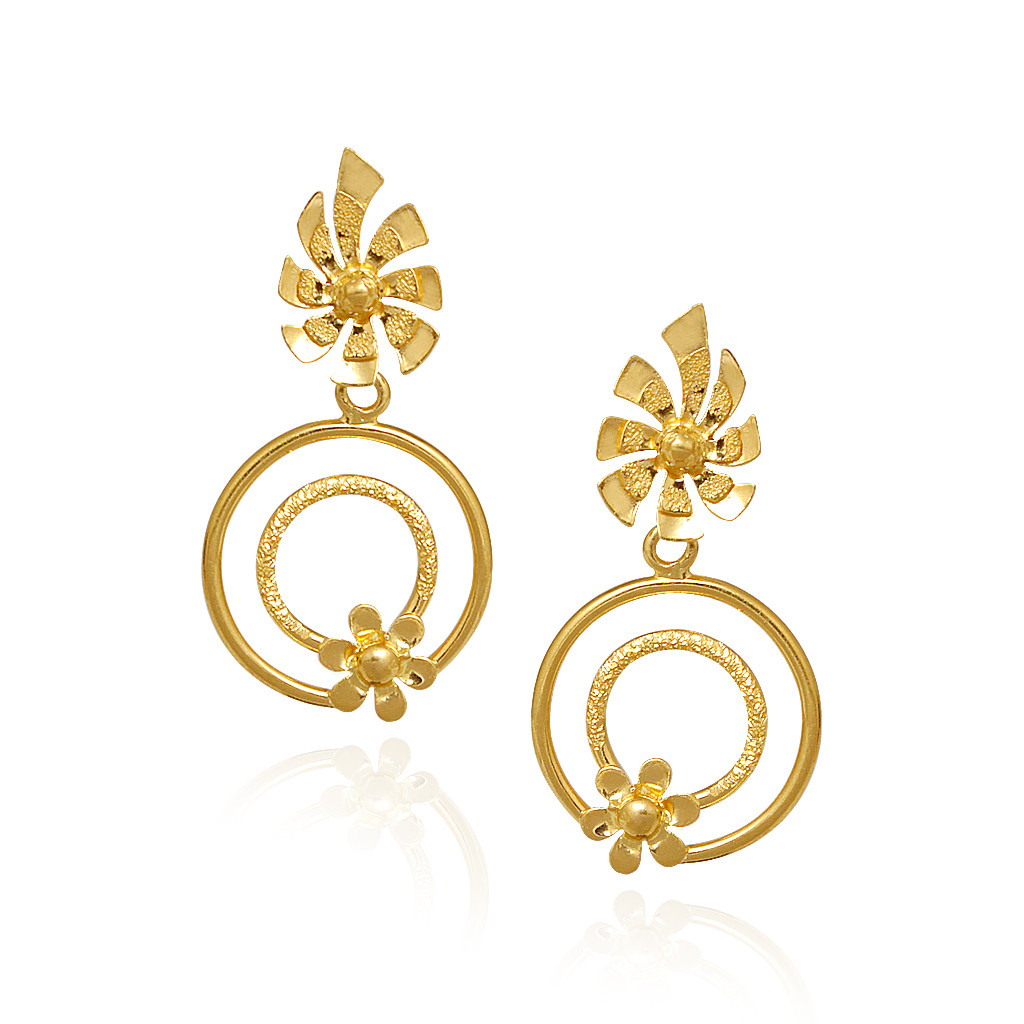 Pair of Stylish Flower Shaped Earrings