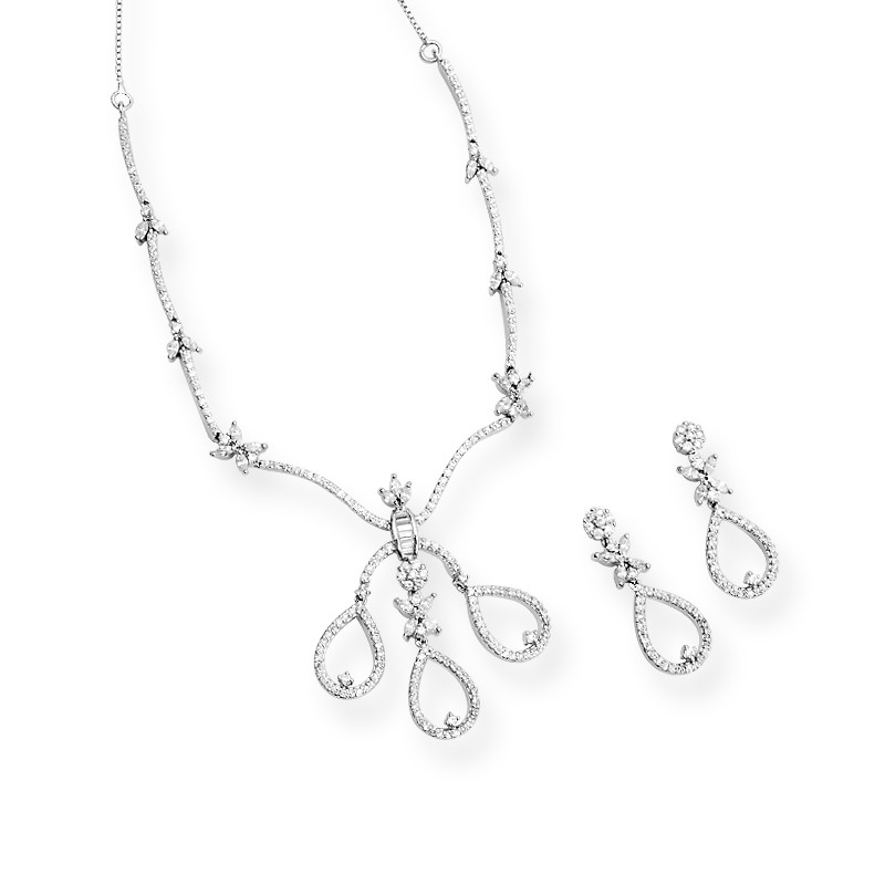 Beautifully Crafted Silver Trio Necklace Set