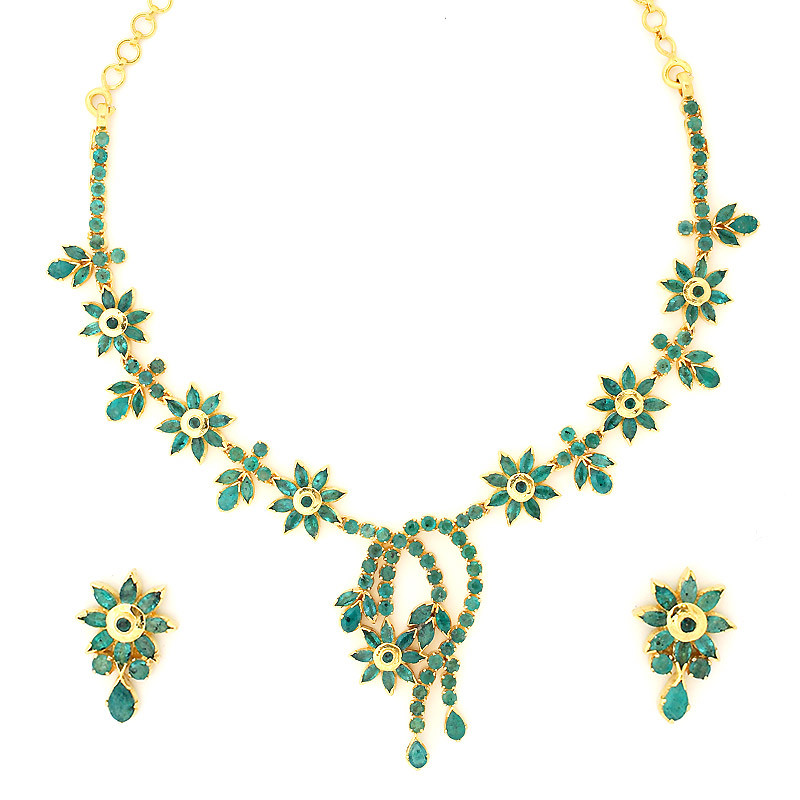 Flowers and swirls Emerald Necklace Set