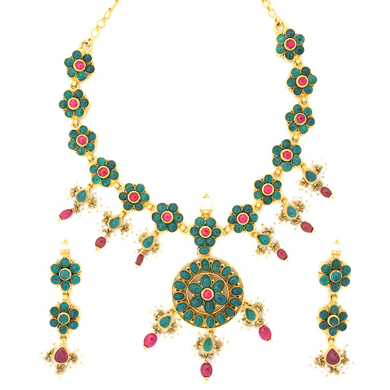 Antique yet Ethnic Six petal Emerald flower with center Ruby Necklace Set