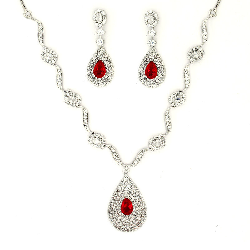 Dew Drop Silver Necklaces Set with center Red