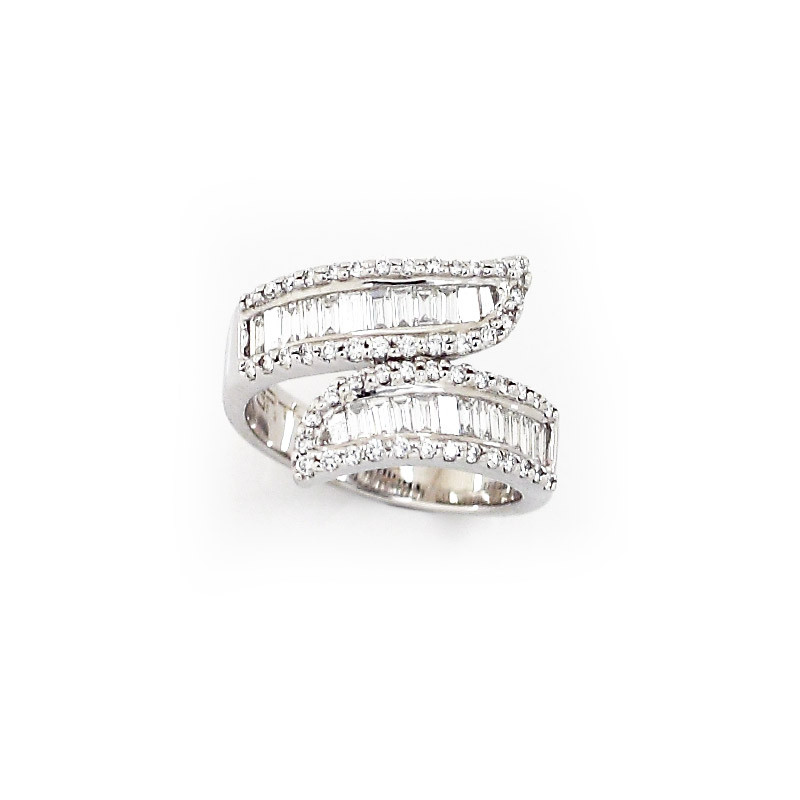 18kt White Gold Crossover Baguette Diamond Ring
