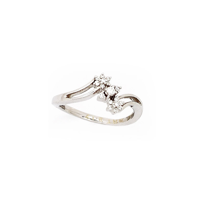 18kt White Gold Crossover Diamond Ring