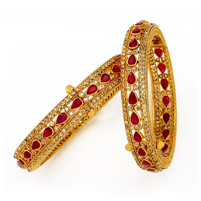 Uncut Diamond Bangles with Center Pear Shaped Rubys