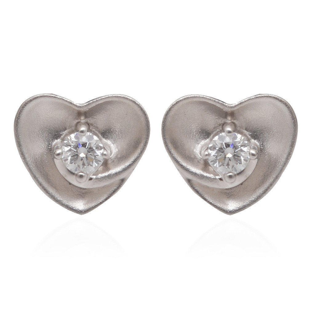 Diamond Studded Deirdre Heart Platinum Stud